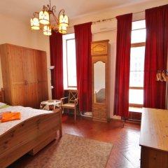 Апартаменты Four Squares Apartments Polyanka Москва комната для гостей