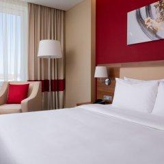 Гостиница Фор Поинтс бай Шератон Краснодар комната для гостей фото 14