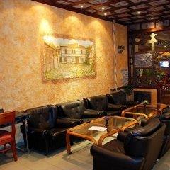 Отель Rodina Болгария, Банско - отзывы, цены и фото номеров - забронировать отель Rodina онлайн гостиничный бар фото 2