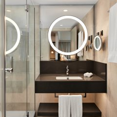 Отель Hilton Vienna Австрия, Вена - 13 отзывов об отеле, цены и фото номеров - забронировать отель Hilton Vienna онлайн ванная