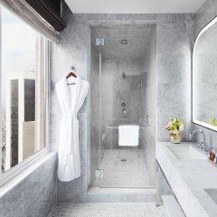 Отель Conrad New York Midtown ванная фото 3