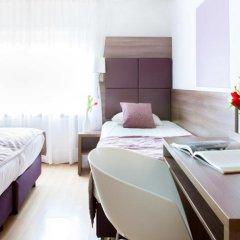 Hotel Victorie 3* Трёхместный номер с различными типами кроватей