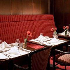 Отель Amsterdam De Roode Leeuw Нидерланды, Амстердам - 1 отзыв об отеле, цены и фото номеров - забронировать отель Amsterdam De Roode Leeuw онлайн питание