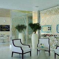 Отель The Ritz-Carlton Abu Dhabi, Grand Canal бассейн фото 3