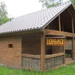 Гостиница Berezka Aya в Ае отзывы, цены и фото номеров - забронировать гостиницу Berezka Aya онлайн Ая вид на фасад фото 3