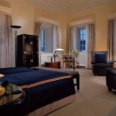 Отель Taschenberg Kempinski 5* Люкс Crown prince
