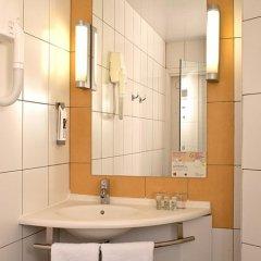 Отель Ibis Kiev City Center Киев ванная фото 2