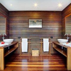 Отель Gangehi Island Resort 4* Номер Делюкс с различными типами кроватей фото 6