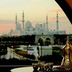 Отель The Ritz-Carlton Abu Dhabi, Grand Canal балкон