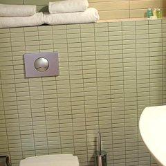 Отель Embassy Hotel Balatonas Литва, Вильнюс - отзывы, цены и фото номеров - забронировать отель Embassy Hotel Balatonas онлайн ванная фото 2