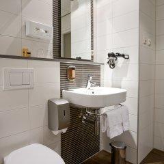 Отель Amsterdam De Roode Leeuw Нидерланды, Амстердам - 1 отзыв об отеле, цены и фото номеров - забронировать отель Amsterdam De Roode Leeuw онлайн ванная фото 2