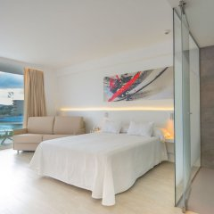 Els Pins Hotel 4* Стандартный семейный номер с различными типами кроватей