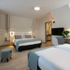 Отель Martins Brugge 3* Семейный номер Charming с различными типами кроватей