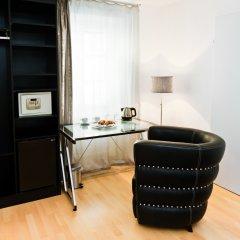 Отель Vox Design Вена сейф в номере