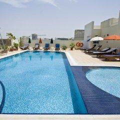 Отель Ramee Hotel Apartments ОАЭ, Дубай - отзывы, цены и фото номеров - забронировать отель Ramee Hotel Apartments онлайн бассейн