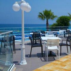 Myroandrou Beach Hotel бассейн