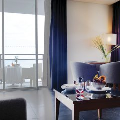 Отель Vidamar Resort Madeira - Half Board Only 5* Люкс с различными типами кроватей фото 5