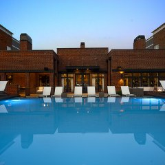 Отель Execustay At The Palmer House бассейн