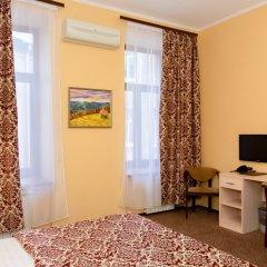 Апартаменты Гостевые комнаты и апартаменты Грифон Стандартный номер с двуспальной кроватью фото 5