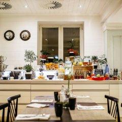 Отель Green Park Hotel Klaipeda Литва, Клайпеда - 7 отзывов об отеле, цены и фото номеров - забронировать отель Green Park Hotel Klaipeda онлайн питание фото 2