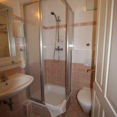 Отель Suite Hotel 900 m zur Oper Австрия, Вена - 1 отзыв об отеле, цены и фото номеров - забронировать отель Suite Hotel 900 m zur Oper онлайн ванная