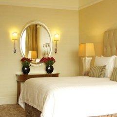 Four Seasons Hotel Singapore 5* Номер Делюкс с различными типами кроватей фото 2