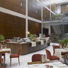 Отель DoubleTree by Hilton Turin Lingotto Италия, Турин - 1 отзыв об отеле, цены и фото номеров - забронировать отель DoubleTree by Hilton Turin Lingotto онлайн питание фото 3