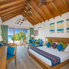 Отель Reethi Faru Resort 5* Вилла Делюкс с различными типами кроватей