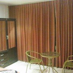 Отель Relax Pub & Guesthouse Пхукет в номере