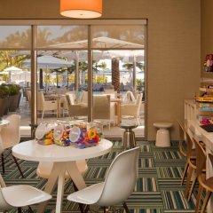 Отель The St. Regis Bal Harbour Resort развлечения