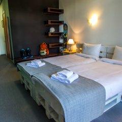 Гостиница Riders Lodge 2* Улучшенный номер с двуспальной кроватью