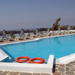 Отель Helena Christina бассейн