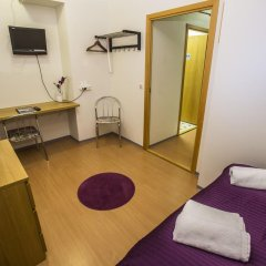 Отель The Capital-Inn Улучшенный номер с различными типами кроватей фото 7