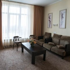 Гостиница Chernoye More Privoz комната для гостей фото 7