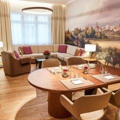 Hotel Vier Jahreszeiten Kempinski München 5* Представительский люкс с различными типами кроватей фото 2