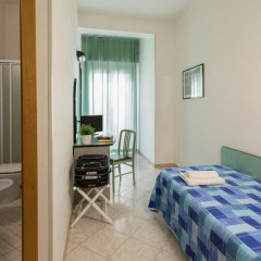 Hotel Stockholm Di Binotti Morena Римини сейф в номере