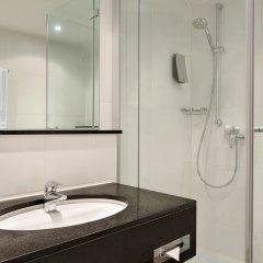 Отель Ramada by Wyndham München Airport Германия, Мюнхен - отзывы, цены и фото номеров - забронировать отель Ramada by Wyndham München Airport онлайн ванная