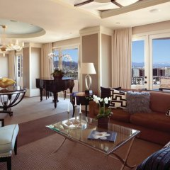 Отель Four Seasons Los Angeles at Beverly Hills 5* Люкс Hollywood с двуспальной кроватью фото 3