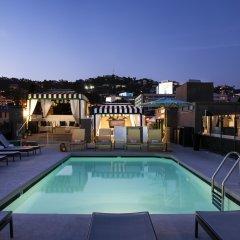 Отель Chamberlain West Hollywood бассейн