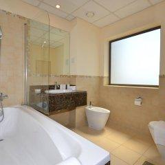 Отель Vacation Holiday Homes - Jumeirah Beach Residences ванная фото 3