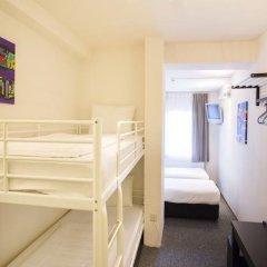 Quentin England Hotel 2* Кровать в общем номере с двухъярусной кроватью