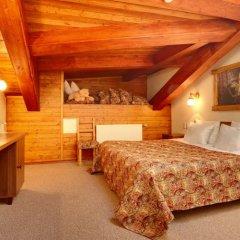 Гостиница Алеша Попович Двор комната для гостей фото 5
