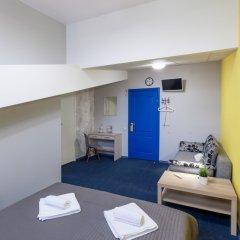 Гостиница Лиговский двор Стандартный семейный номер с различными типами кроватей фото 4