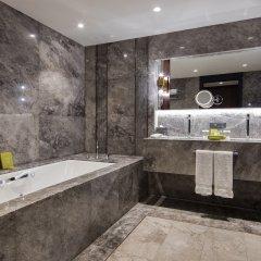 Hilton Istanbul Maslak Турция, Стамбул - отзывы, цены и фото номеров - забронировать отель Hilton Istanbul Maslak онлайн ванная