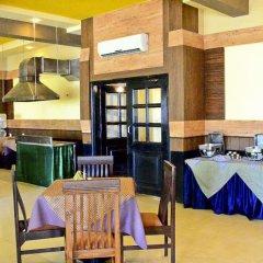 Отель Bollywood Sea Queen Beach Resort Индия, Гоа - отзывы, цены и фото номеров - забронировать отель Bollywood Sea Queen Beach Resort онлайн питание