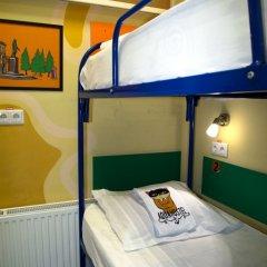Хостел Аква Кровать в общем номере фото 14