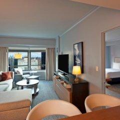 Отель New York Hilton Midtown 4* Представительский люкс с различными типами кроватей фото 3