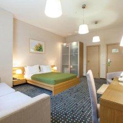 Отель Меридиан 2* Улучшенный номер