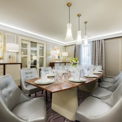 Отель Grand Hotel Kempinski Riga Латвия, Рига - 2 отзыва об отеле, цены и фото номеров - забронировать отель Grand Hotel Kempinski Riga онлайн комната для гостей фото 2
