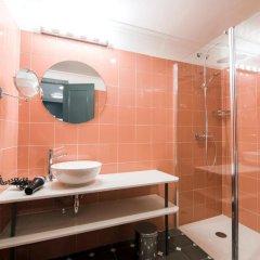 Отель Petit Palace Puerta de Triana 3* Небольшой двухместный номер с различными типами кроватей фото 4